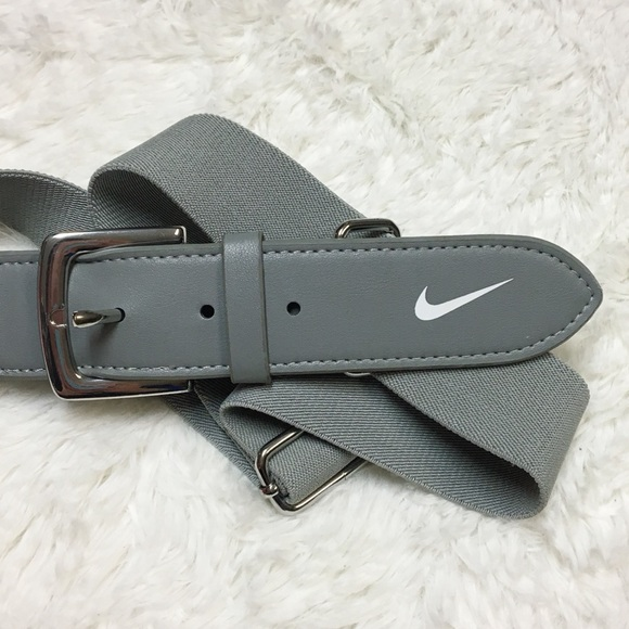 9d8a45c263c921 Gray Youth Nike Baseball Belt E. M_5a84d8fba4c4857dc4d098fa